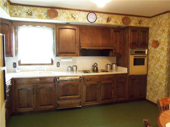 709 S Mercer Ave, Hermitage, PA 16148