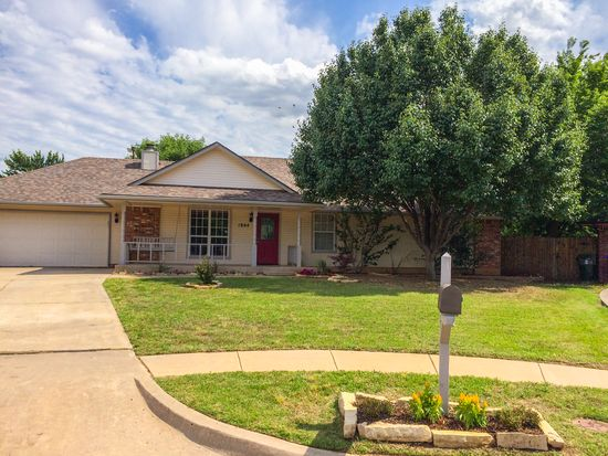 1804 Candlewood Dr, Norman, OK 73071