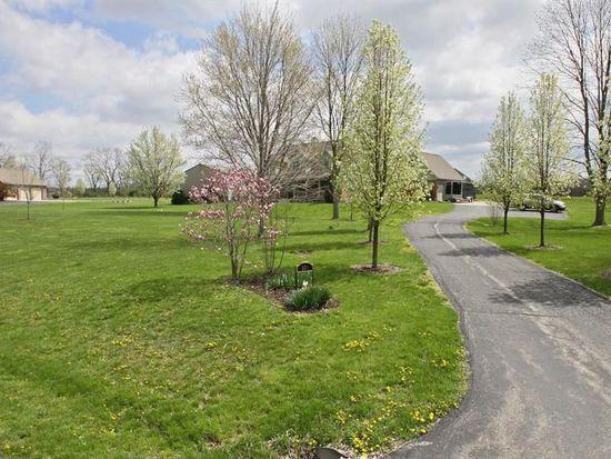 558 Sycamore Ln, Danville, IN 46122
