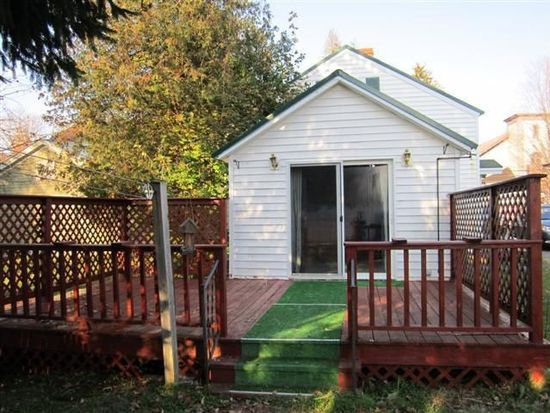 134 White St, Waterville, NY 13480