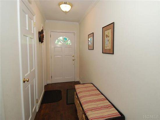 5 Beresford Ln, Larchmont, NY 10538
