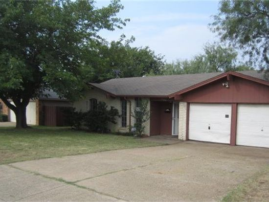 906 Cannon Dr, Euless, TX 76040