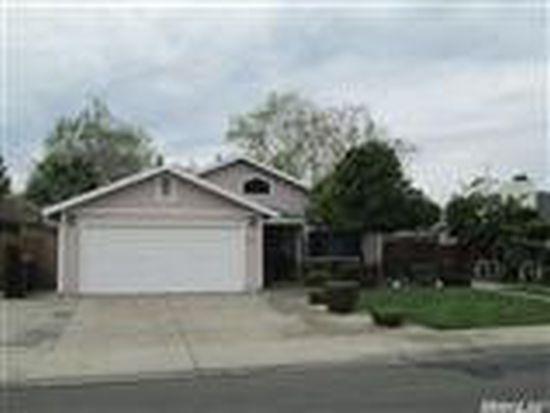 800 Crystal Springs Dr, Woodland, CA 95776