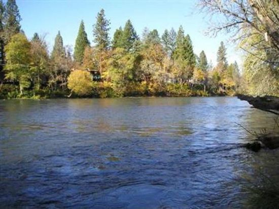 1030 Anglers Pl, Shady Cove, OR 97539