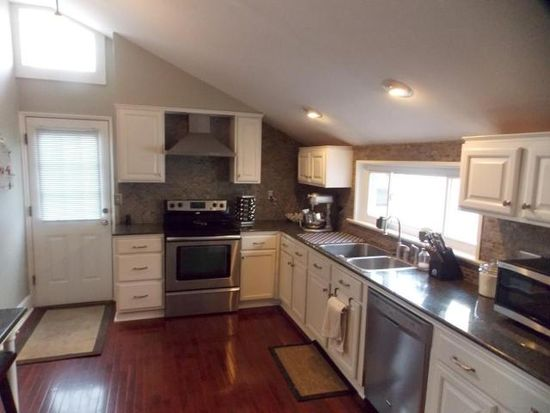 180 N State St, Westerville, OH 43081