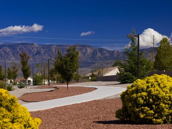 1008 Golden Smoke Dr SE, Albuquerque, NM 87116