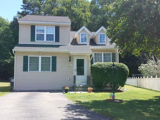 39 Wicken Sq, Albany, NY 12205