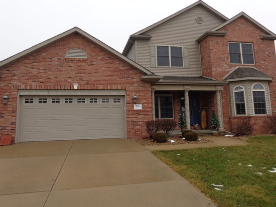203 Skylark Ln, Washington, IL 61571