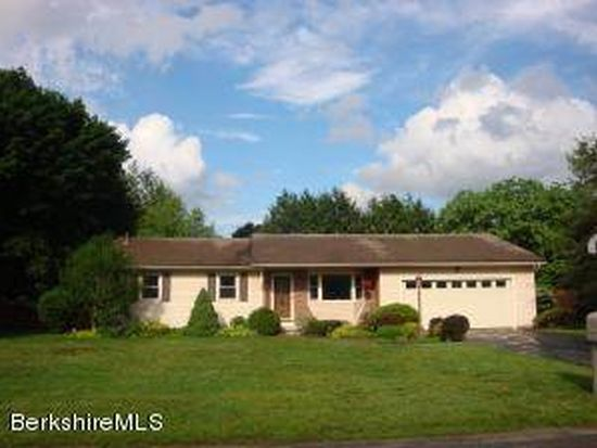 65 Clydesdale Dr, Pittsfield, MA 01201