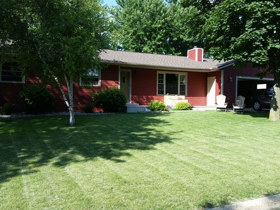 11 Parkway Dr, Spencer, IA 51301