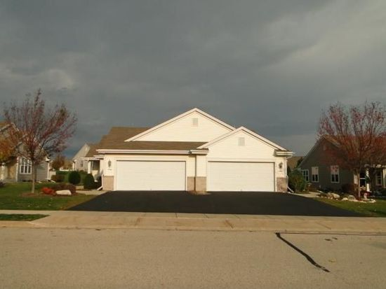 609B Hickory Hollow Rd, Waterford, WI 53185