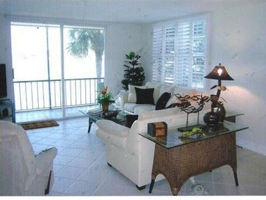 7665 Sun Island Dr S APT 207, South Pasadena, FL 33707