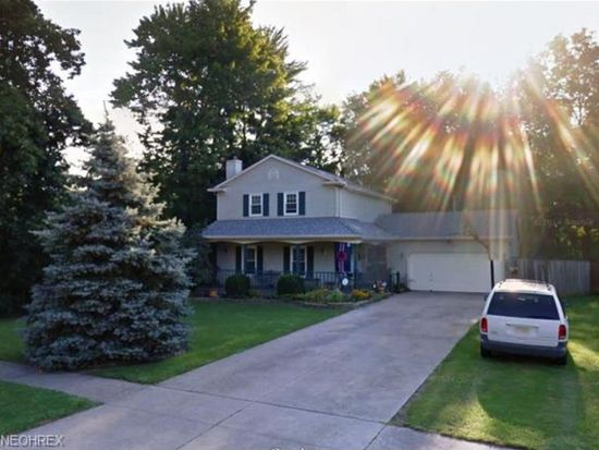 1593 Scarborough Dr, Brunswick, OH 44212