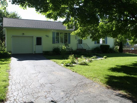 41 Stearns Ave, Pittsfield, MA 01201