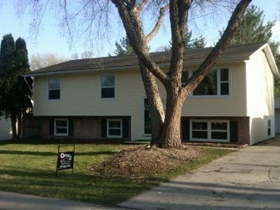 1208 W 4th St, Cedar Falls, IA 50613