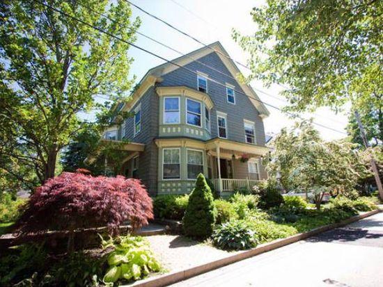 194 Ashmont St, Portland, ME 04103