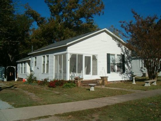 713 N Chickasaw Ave, Claremore, OK 74017