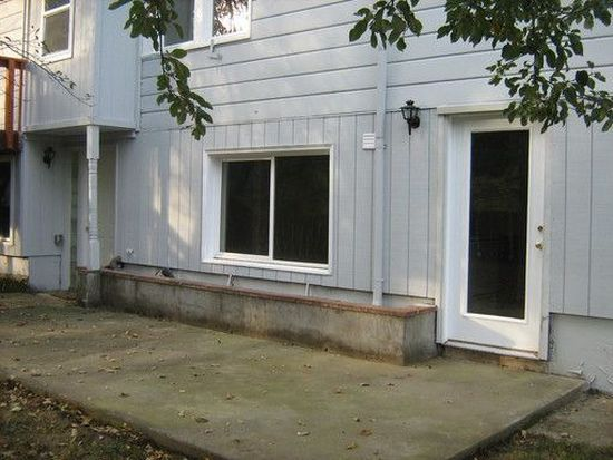 3216 SW Dolph Ct, Portland, OR 97219