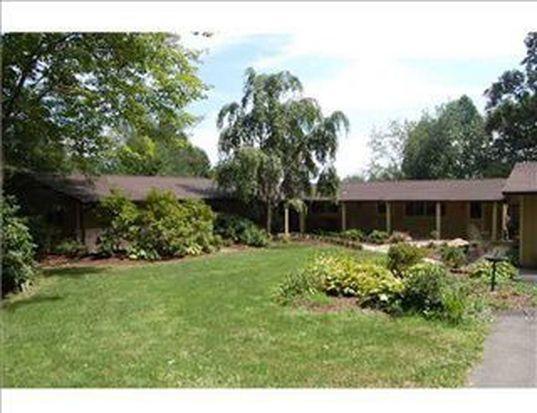 89 Foxwood Ln, Greensburg, PA 15601