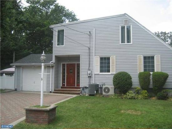 28-14 Madison Ter, Fair Lawn, NJ 07410