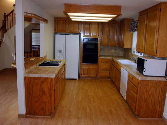 525 Grass Valley Rd, Lake Arrowhead, CA 92352