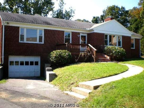 7431 Mason Ln, Falls Church, VA 22042