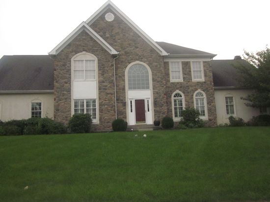 1241 Bridle Estates Dr, Yardley, PA 19067