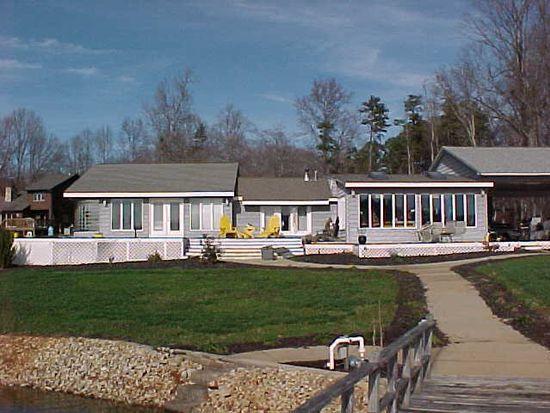696 Blue Heron Rd, Salisbury, NC 28146