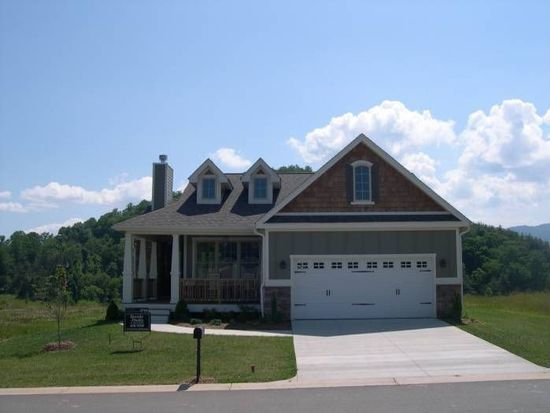 28 Rose Point Dr, Leicester, NC 28748