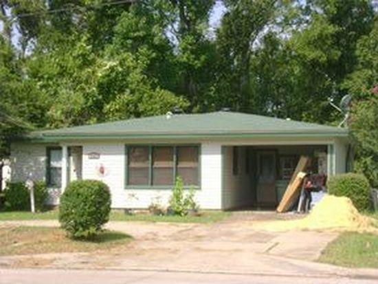 2343 W Lucas Dr, Beaumont, TX 77706