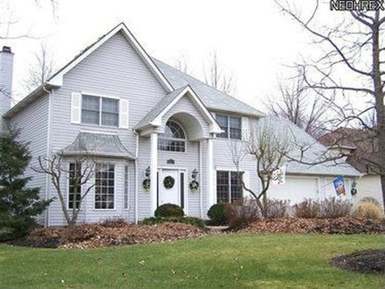 6657 Bretton Ridge Dr, North Olmsted, OH 44070