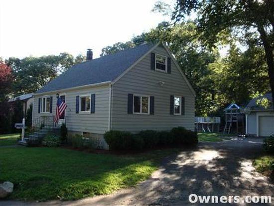 31 Oak Ave, Peabody, MA 01960