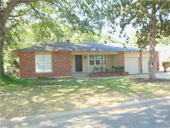 417 Patricia Rd, Hurst, TX 76053