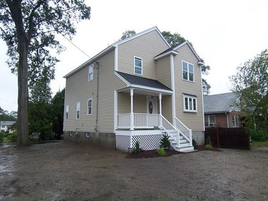 135 Central St, Weymouth, MA 02190