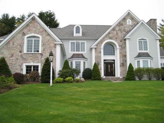 15 Buttonwood Dr, Andover, MA 01810