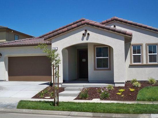 844 N San Remo Ln, Tracy, CA 95391