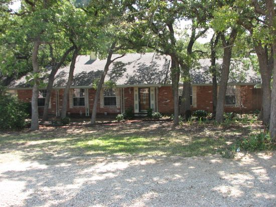 1416 Country Club Rd, Argyle, TX 76226