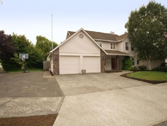 12404 Cominger St, Oregon City, OR 97045
