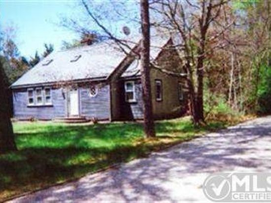 77 Dunns Pond Rd, Hyannis, MA 02601