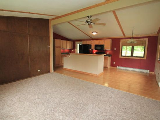 W315 Golden Lake Park Cir, Oconomowoc, WI 53066