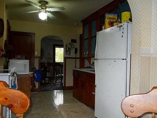 52 Oakwood Ter, North Tonawanda, NY 14120
