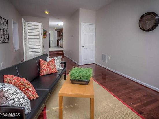 1218 E Eager St, Baltimore, MD 21202