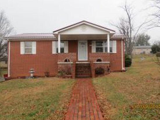 302 Peach Blossom Ct, Johnson City, TN 37604