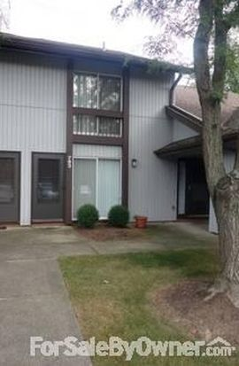 783 Pipes Ct, Sagamore Hills, OH 44067