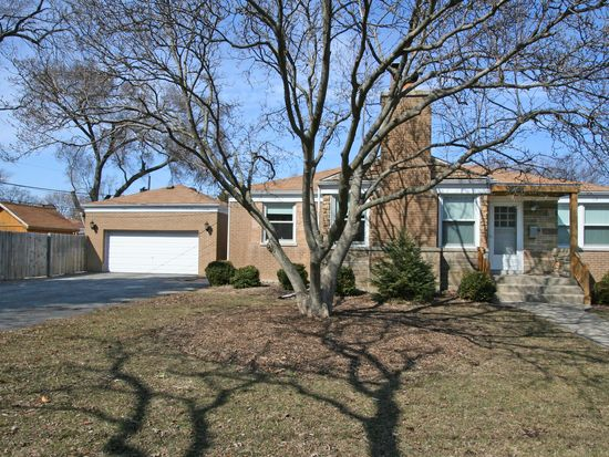 1826 Hawthorne Ave, Westchester, IL 60154
