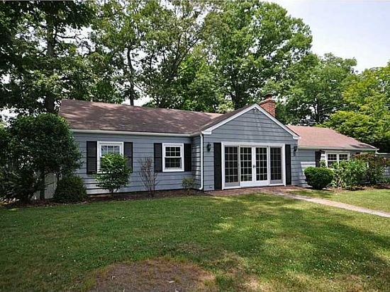 15 Hazelton Rd, Barrington, RI 02806
