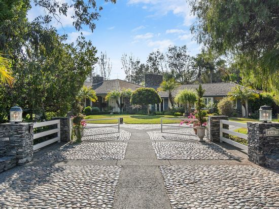 5489 Calle Chaparro, Rancho Santa Fe, CA 92091