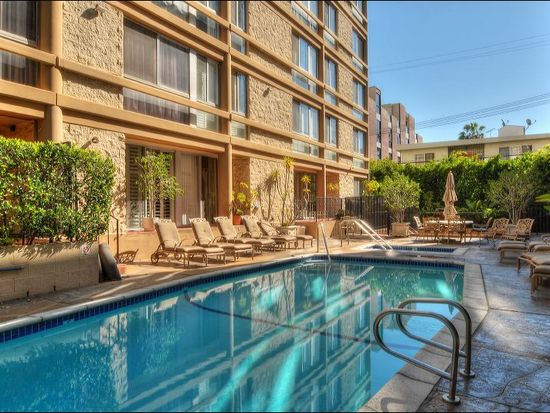318 N Maple Dr UNIT 106, Beverly Hills, CA 90210