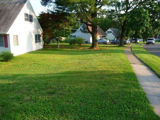 23 Uphill Rd, Levittown, PA 19056