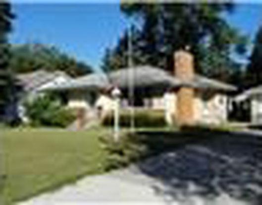 1233 Roselawn Ave W, Roseville, MN 55113